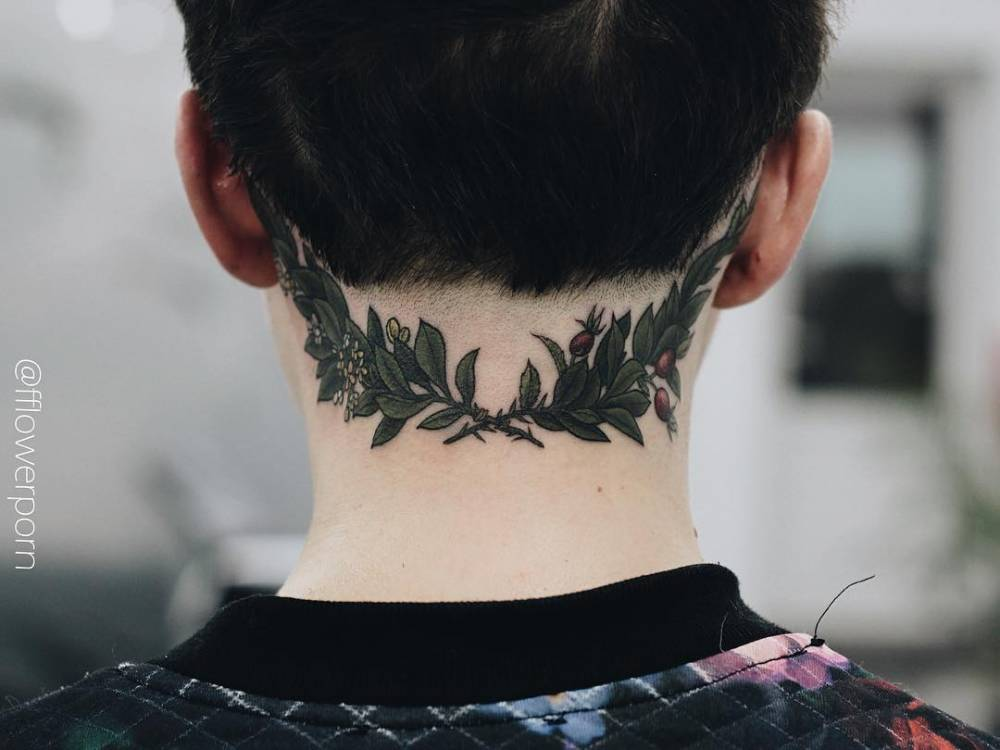 Тату листьев на шею