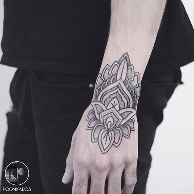 Henna Tattoo Wrist Softball: Henna Inspired Wrist Tattoo