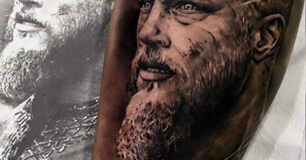 Ragnar lodbrok tattoos ragnar tattoo best 20 ragnar for Ragnar head tattoo stencil