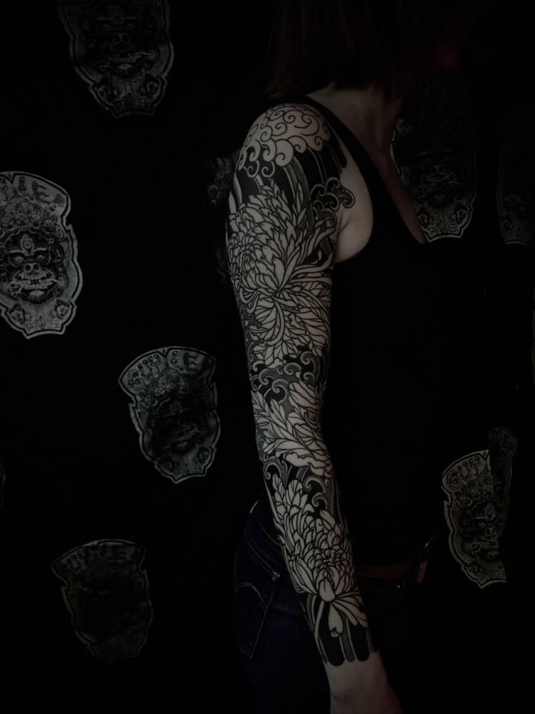 Blackwork Japanese sleeve, healed step after 3 weeks on Fanny.