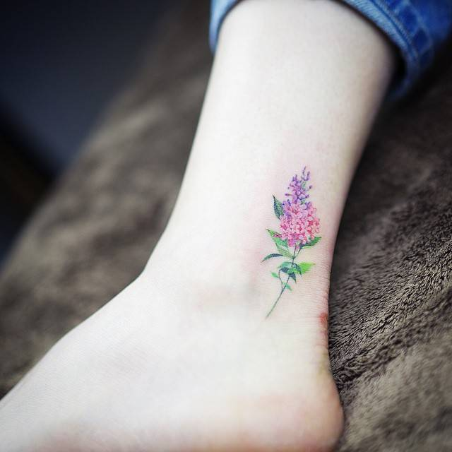 15 of the smallest most tasteful flower tattoos mightylinksfo