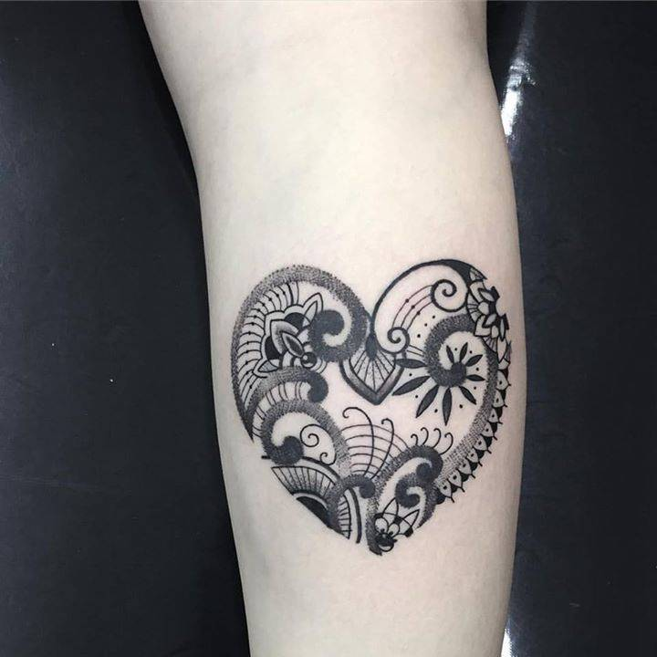 Heart Henna Tattoos: Henna Inspired Heart Tattoo