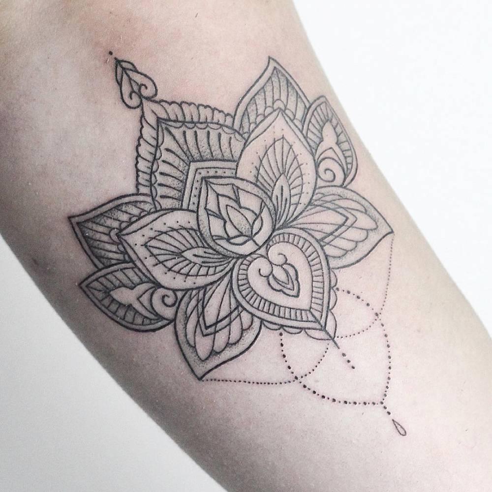 henna inspired lotus flower. Black Bedroom Furniture Sets. Home Design Ideas