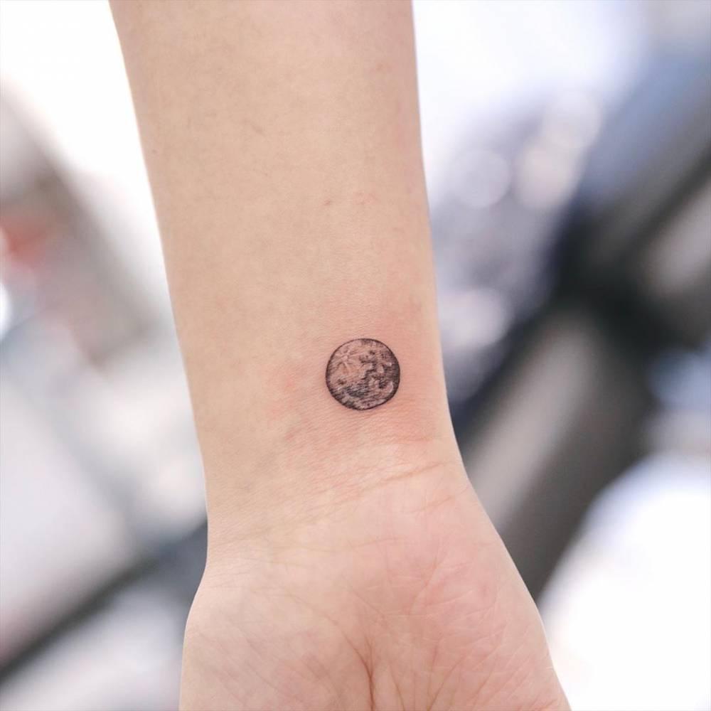 Full moon  tattooist james