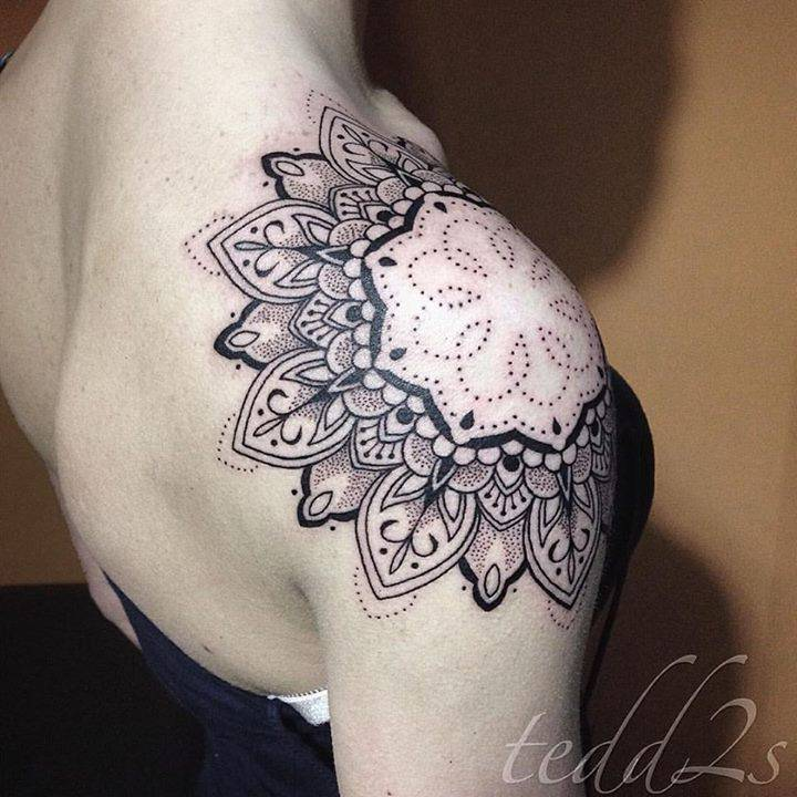 Fun shoulder wrap start to an arm project, thanks so much Holly! See you soon ☺
