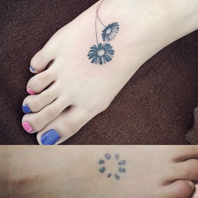 Daisy cover up on the foot.