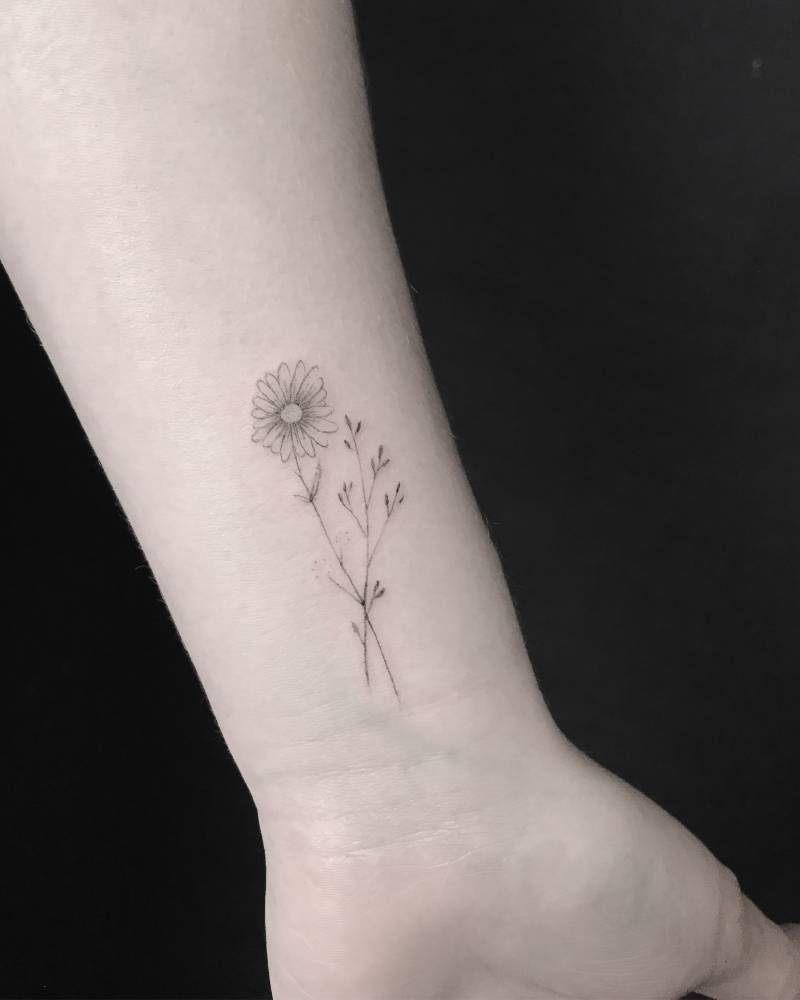 White Daisy Tattoo: Small Daisy