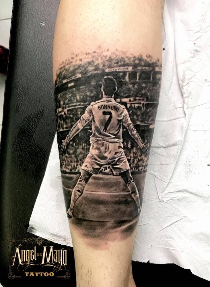 Tatuaje De Cristiano Ronaldo En El Gemelo
