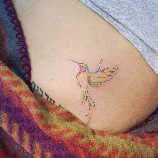 15 beautiful hummingbird tattoos. Black Bedroom Furniture Sets. Home Design Ideas