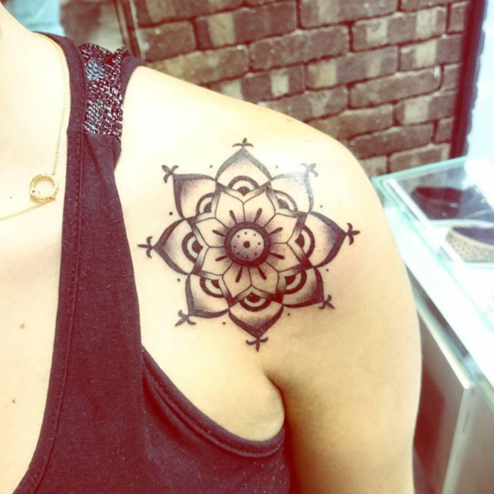 Shoulder Tattoo Of A Mandala By André De Camargo